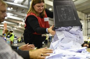 afp-early-count-points-to-record-turnout-in-scotland-vote